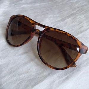 🌵Tortoise shell sunglasses